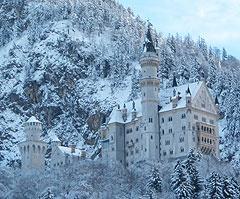 Bild: Schloss Neuschwanstein mit Baugerüst