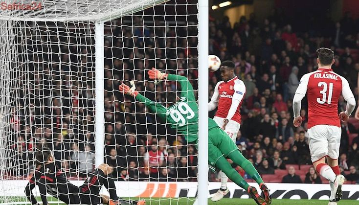 Wenger praises Arsenal resilience as they reach Europa quarters