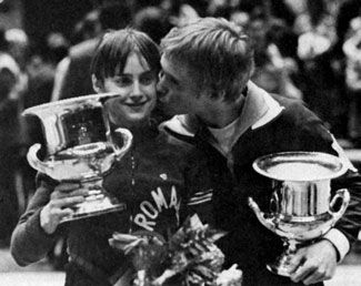 Is this cool? Nadia Comaneci and Bart Conner. They are married now for 15 years. <3