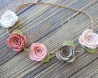 Felt flower garland headband di muffintopsandtutus su Etsy