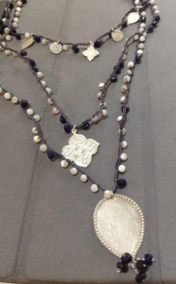 Lola Lecannelier Collar tejido piedras y figuras barrocas en plata