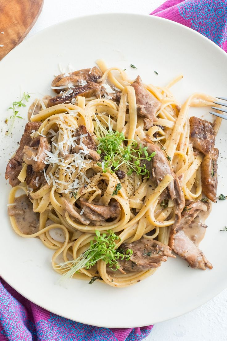 Duck confit is one of the finest French specialities, which we prepared with succulent pasta drizzled in a dried figs and balsamic vinegar creamy sauce... Bon appétit!