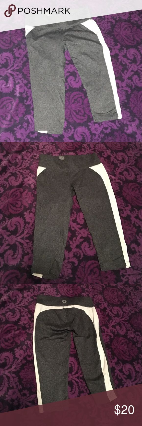 Workout pants Workout pants/Running leggings. Really like them but kind of small for me and don't wear them that much. Seem brand new!! Very comfy! Small pocket on the inside! aerie fit Pants Capris