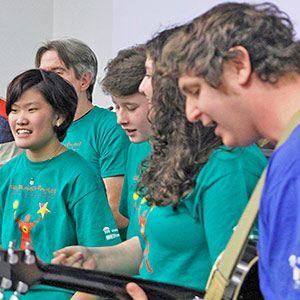 Un grupo musical del Proyecto Milagro realiza un evento del Día Mundial de la Concienciación sobre el Autismo en la sede de la ONU. ONU/JC McIlwaine.