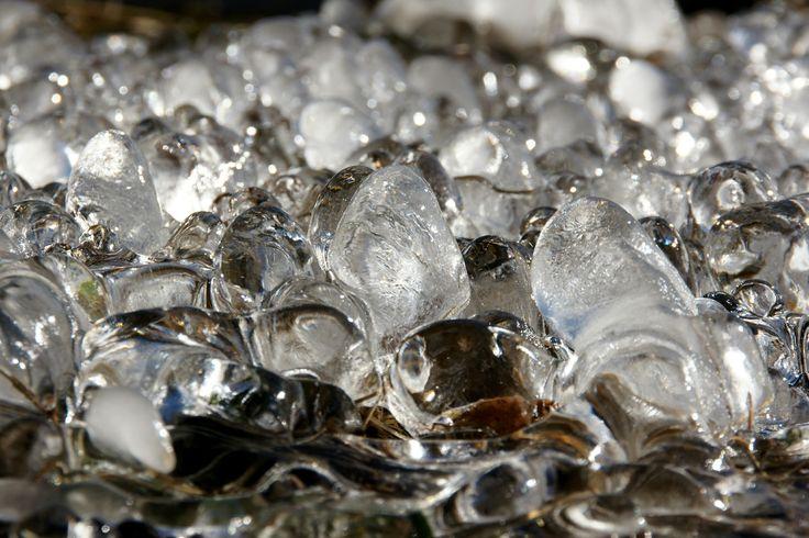 Como Montar uma Fábrica de Gelo  http://engetecno.com.br/port/proj.php?projeto=industria-para-fabricacao-de-gelo-5000-quilos-de-gelo-dia-em-barras-ou-cubos-e-area-construida-de-200-m2  ENGETECNO:(35) 3721.1488  Como Montar uma Fábrica de Gelo Industrial, Como Montar uma Fábrica de Gelo em Cubo, Como Montar uma Fábrica de Gelo em Tubo, Como Montar uma Fábrica de Gelo em Barra, Como Montar uma Fábrica de Gelo em Escamas, e muito mais..  http://www.engetecno.com.br/