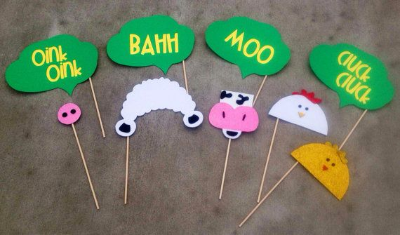 Having a John Deere themed event? This is the perfect photo booth prop set for you! This prop bundle includes 5 animals and 4 animal noise word