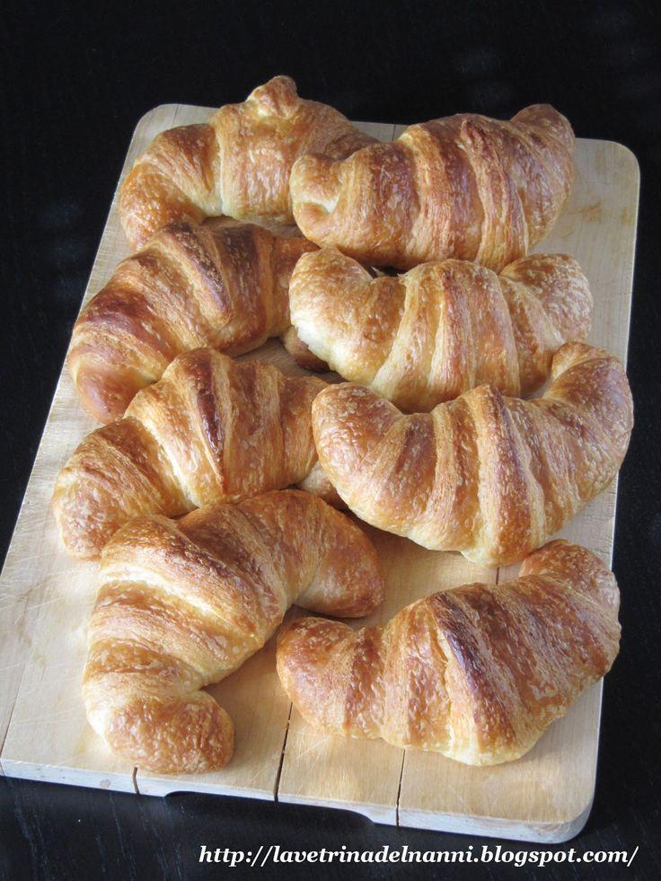 La vetrina del Nanni: Croissant con Latte in Polvere
