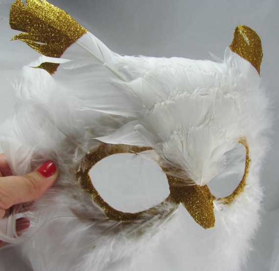 Long-white-feather-owl-mask-hedwig-gold