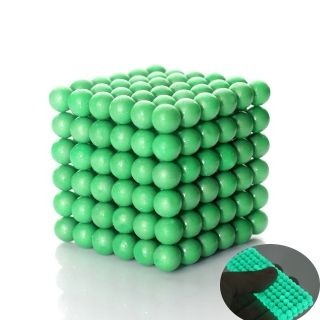 The new Green Luminous Buckyballs  - Buckyballs consist of 216 magnets balls, these neodym magnets give you the potential to create and reforge an unlimited number of 2D, and 3D objects! Train up you brain while you have fun! #Buckyballs #Buckyball #Neocube