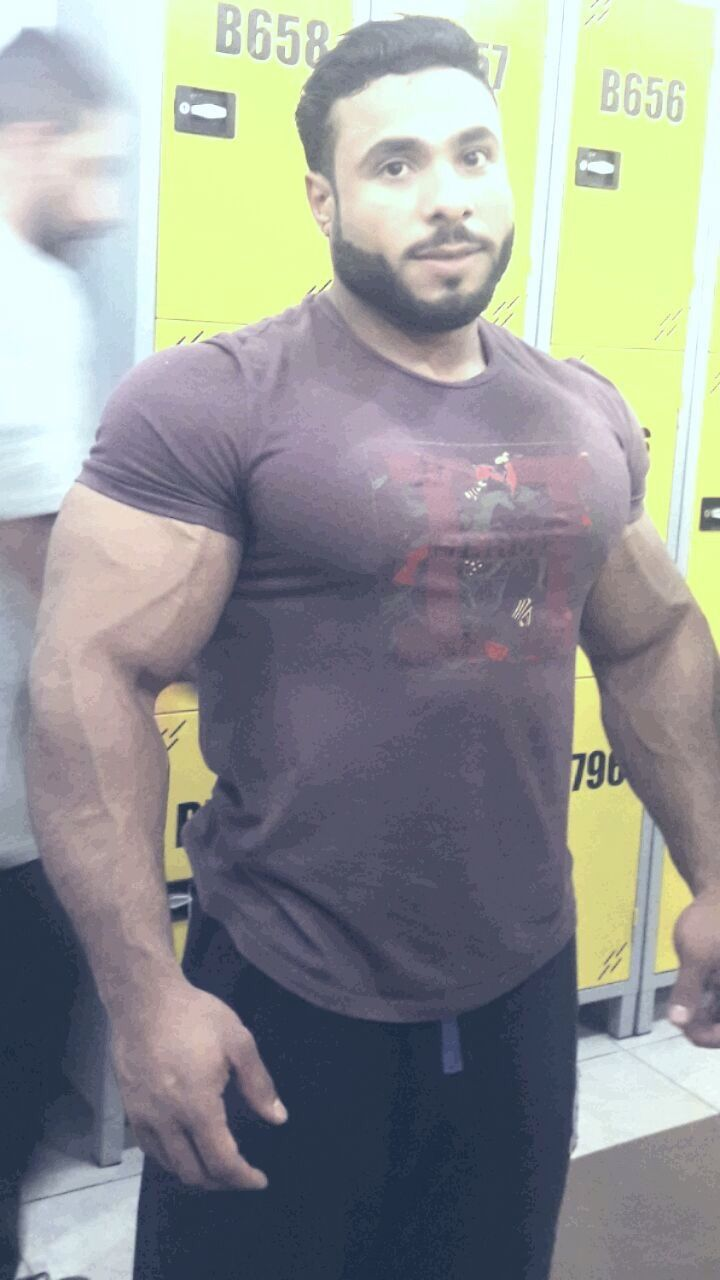 Body builders with big erections gay porn 5