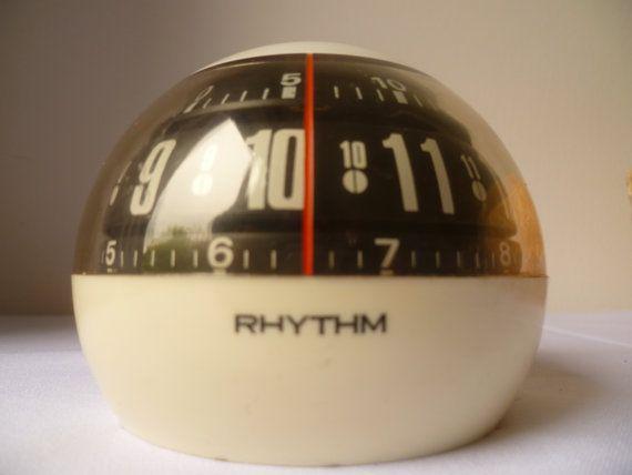 Ritme Japan lineaire bal wekker 1950 Space Age (JVC Videosphere merchandise) 178 gram, 8 cm hoog, 9 cm breed; 9 cm diep. Werkt perfect. Het controleren van mijn andere vintage klokken.