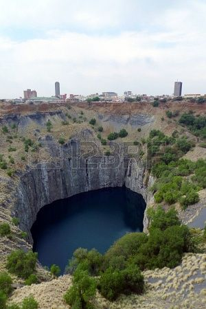 Amazing Places In South Africa Worth To Visit In A Lifetime, The Big Hole in Kimberley, South Africa