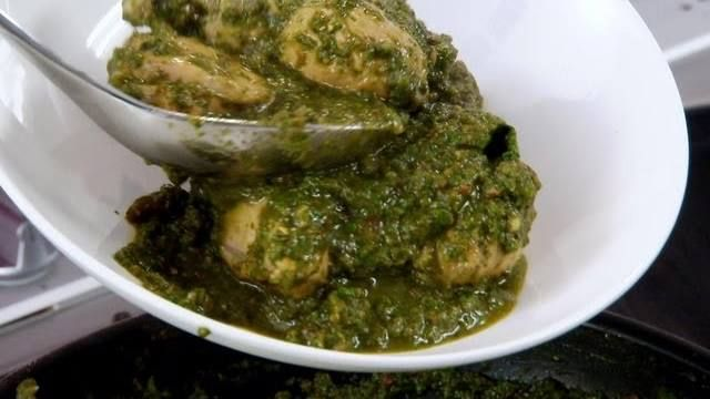 Punjabi Chicken with Spinach - Indian Food Made Easy with Anjum Anand ...