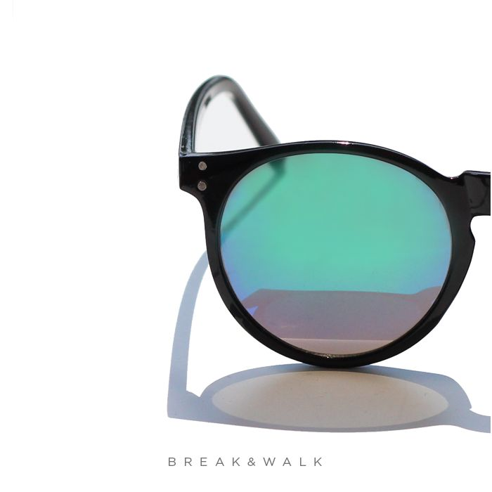 MODEL: ALANIS CHARTREUSE GREEN ✴ DIFFERENT WAYS ✴  Discover all trends of sunglasses in OUR website and Get the latest fashion news and footwear trends. • www.breakwalk.com •