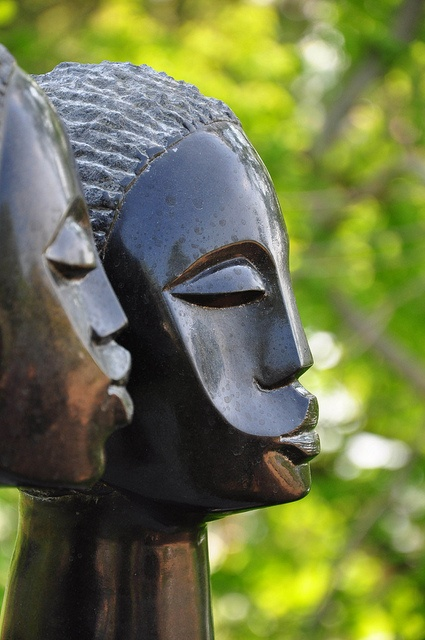 African sculpture - Zimbabwe  on flickr by garyt70