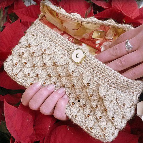 Quaternity Design Studios--Angelia Robinson--Crocodile Clutch (crochet)