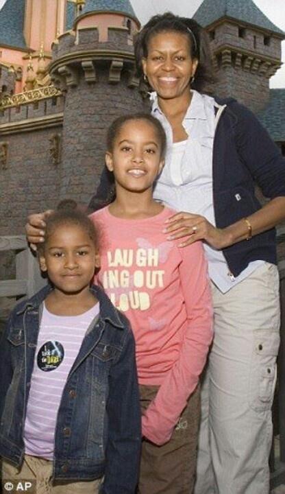 Mom In Chief Michelle Obama With Malia Obama & Sasha Obama....