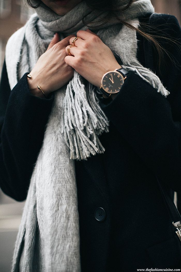 H&M soft light grey scarf with Kapten and Son campus black watch blog outfit