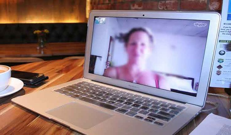 Come accedere a Skype con due account contemporaneamente sullo stesso computer Hai deciso di farti due account Skype per non creare della confusione tra i contatti di lavoro ed i contatti di uso privato, e spesso hai la necessità di usare entrambi gli account sullo stesso compu #internet #computer #software #tecnologia