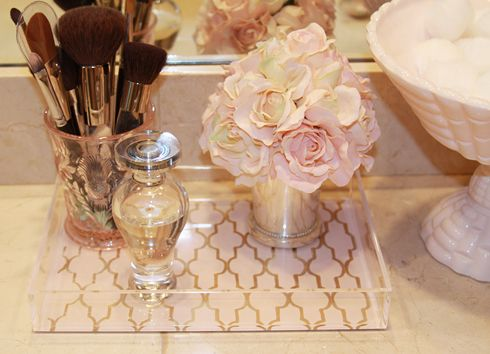 I love this vanity tray and it's perfect size! Does anyone know where I can find one similar to this?