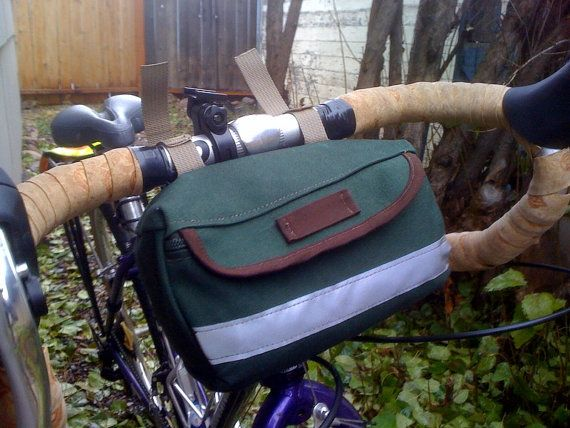 Wonder if Rivendell knows that someone on etsy is totally ripping off their small Sackville saddle bag. Knockoff bike bags ... Nice.