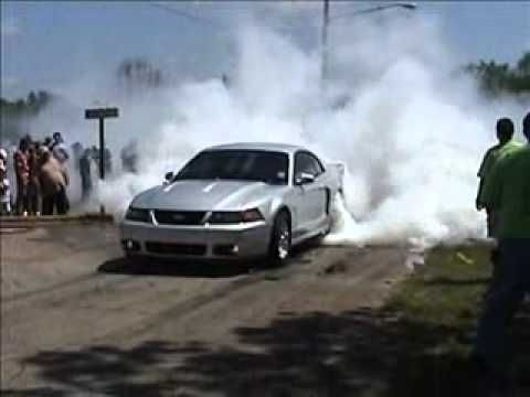2003 Mustang Cobra Burnout - Badass and that is how you do it peeps!!!