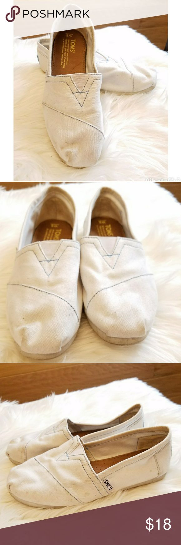 Toms woman's size 6 Pre owned in good condition, spots of dirt on back heel and tip of toes. Haven't been washed. Toms Shoes Flats & Loafers