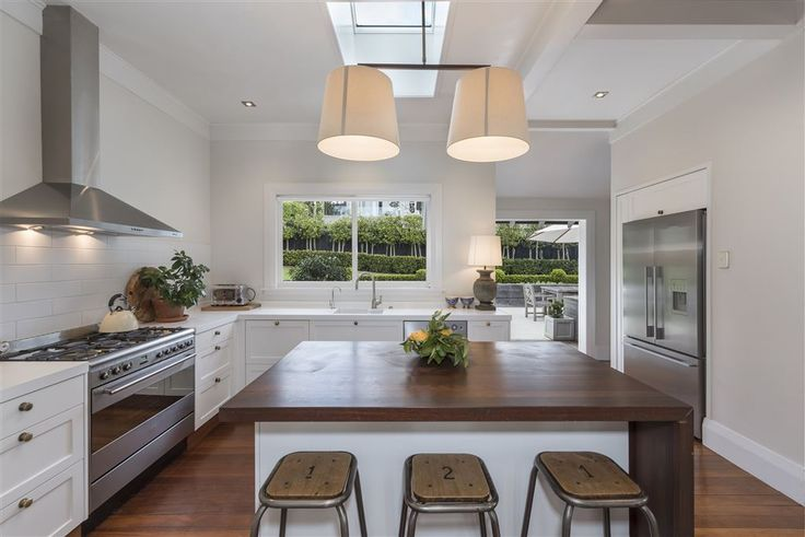 Rahiri Rd in Mt Eden - a spacious , light-filled inviting kitchen