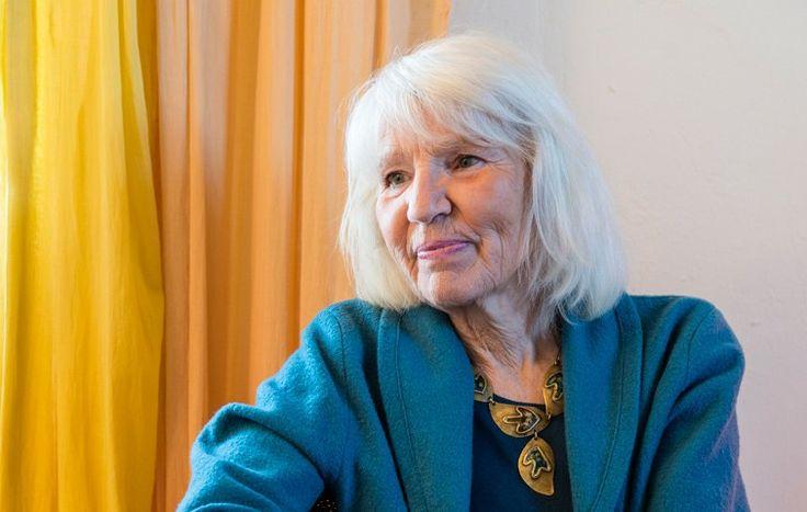 Heidemarie Schwermer lebt seit fast zwei Jahrzehnten ohne Geld und glaubt, dass wir alle ihr das gleichtun könnten
