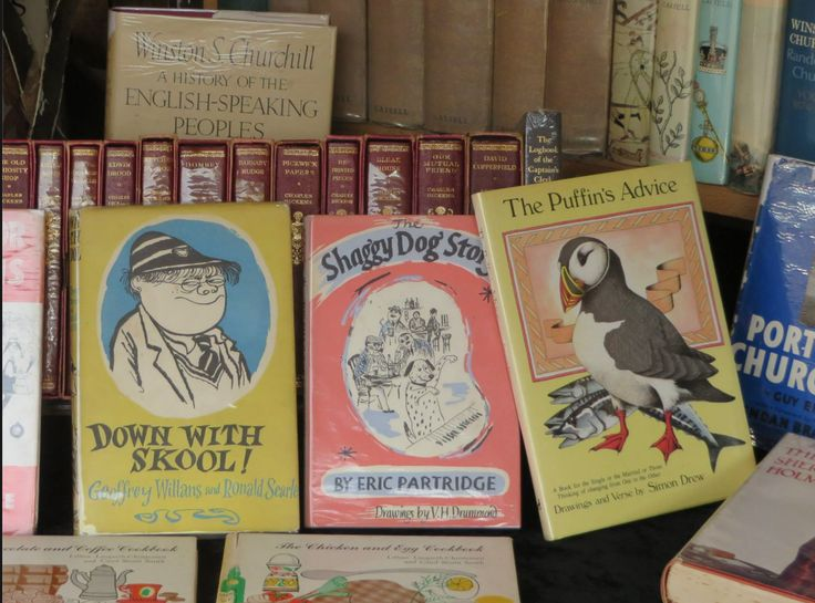 Peter Foster's Children's Books stall between Oxford Gardens and Golborne Road
