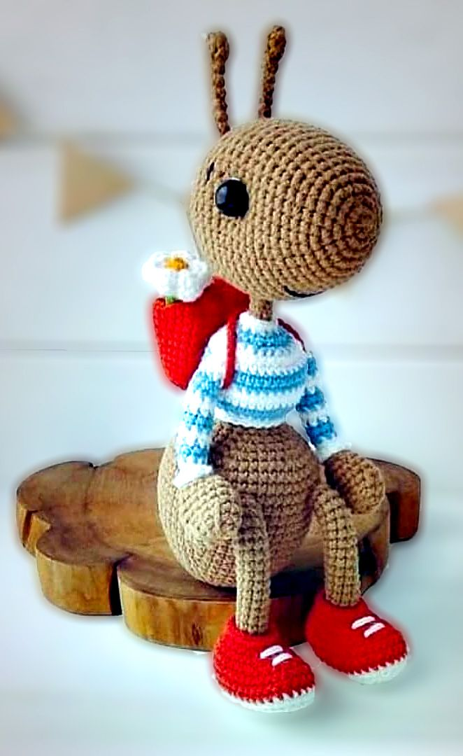 23 Best Amigurumi Animal Pattern Ideas. Hardworking ant and his bag.