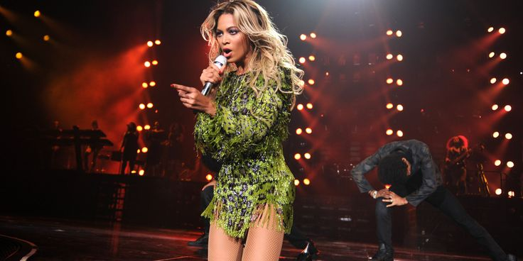 Beyonce Cries, Thanks Fans At Final Mrs. Carter Show Tour Stop #weloveBey