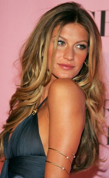 Gisele...i'm obsessedHair Colors Ideas, Spring Hair, Long Curls, Summer Hair, Long Hair, Longhair, Beach Hair, Gisele Bundchen, Female Models