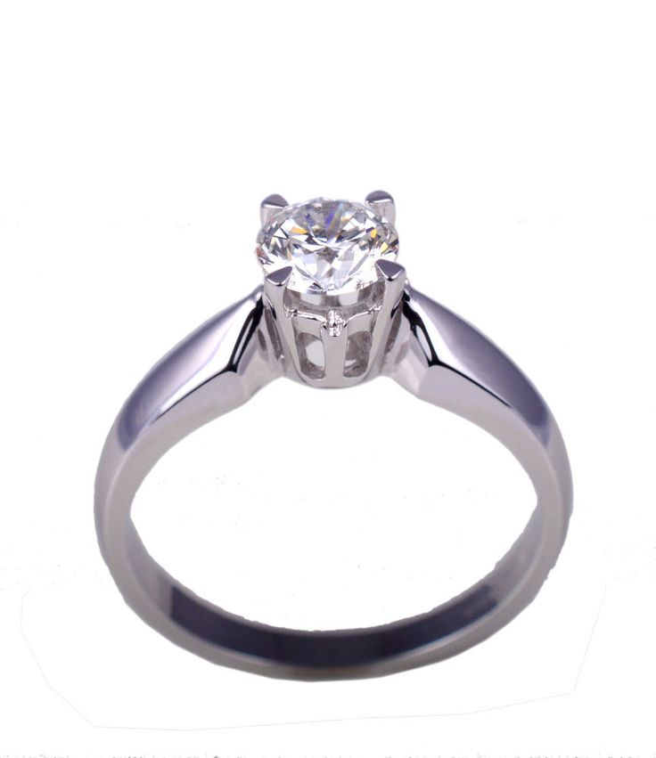 Solid White Gold 18 Kt Ring solitarie with diamamond 0.70 Ct. , Color G , SI1