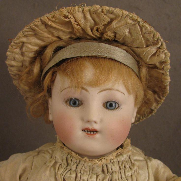 это картинки старинная кукла из чурочки основу