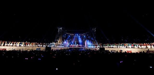 01 de Diciembre de 2012/ Santiago   En el estadio Nacional se desarrolla la etapa final de la campaña solidaria Teleton de 27 horas, que este año tiene como meta 21.735.065.277 millones de pesos.   FOTO: FRANCISCO LONGA/AGENCIAUNO