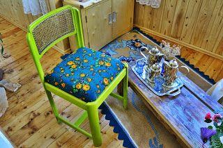 uncinetto moda e fantasia: sedia in legno con tappezzeria ricamata a mano leg...