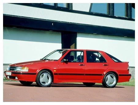 SAAB 9000 av årsmodell 1991 blev min andra förmånsbil. Tog ut den 1991 och körde den i fyra år, bl a på en långresa till Frankrike 1991.