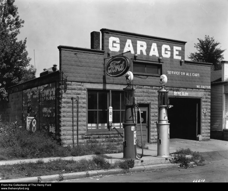 210 best vintage gas stations images on pinterest old gas stations filling station and garage. Black Bedroom Furniture Sets. Home Design Ideas