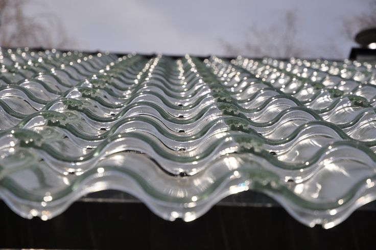 Solar Heating Just Got Stylish: Innovative Glass Roof Tiles for Energy-Efficient Homes  Read more: http://freshome.com/2014/12/17/solar-heating-just-got-stylish-innovative-glass-roof-tiles-for-energy-efficient-homes/#ixzz3MBsPbJsx