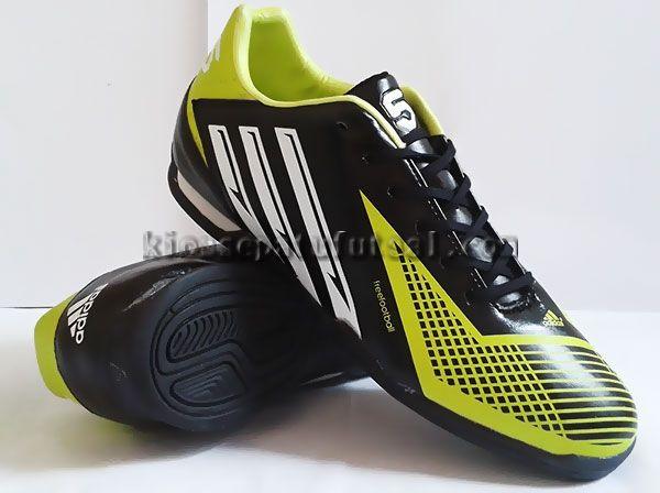 Adidas Free Football Hitam Kuning Stabilo, Harga:220.000, Kode:Free Football Hitam Kuning Stabilo, Cara pesan:Ketik: Pesan # Nama Lengkap # Alamat Lengkap # Kode Produk # Ukuran # jumlah # No. HP, Hub: SMS/BBM ke:8985065451/75DE12D7, Cek stok: http://kiossepatufutsal.com/kw-super/adidas-free-football-hitam-kuning-stabilo