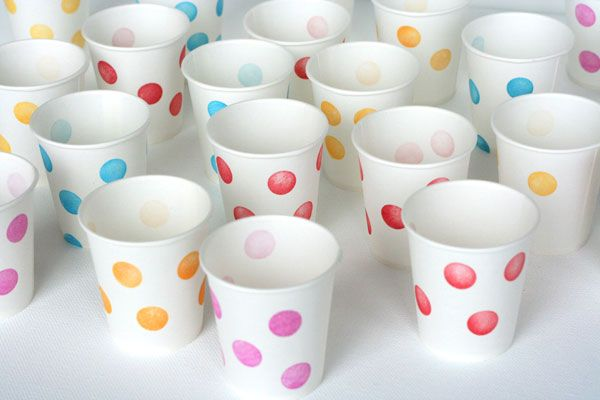 // DIY Stamped Party Cups by ohhappyday: Shower Ideas, Kids Parties, Parties Cups, Polkadot, Paper Parties, Parties Ideas, Paper Cups, Polka Dots Parties, Party Cups