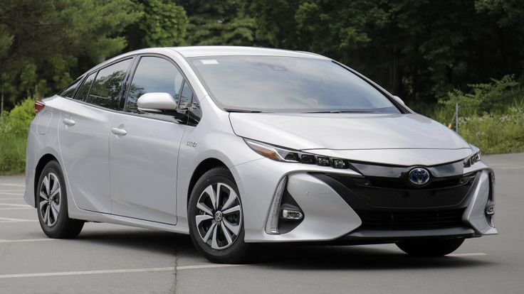 With the upcoming Prius Prime, Toyota is increasing the car's all-electric range compared to the earlier Prius Plug-In. Will it be enough?
