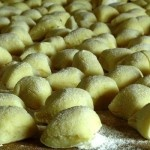 How to Bake Chestnut Gnocchi with Robiola Cheese Sauce