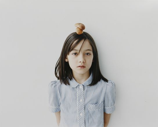 Today we want to share some children portraits by Osamu Yokonami. Evocative and stunning. We really enjoyed strolling through his web and we will return to it in the future.