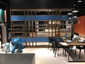 Stunning LivingKitchen Messestand LEICHT K chen AG leicht bunt farbe blau