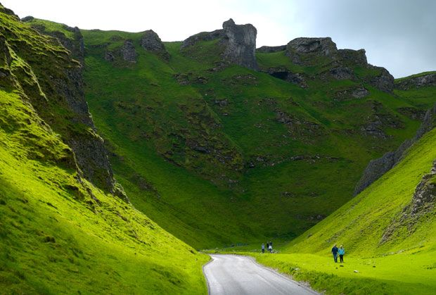 Winnats Pass  Castleton, Derbyshire  Sheer drama in the Peak District