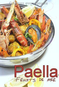 Recette paella espagnole au poulet et fruits de mer avec gambas, crevettes, moules, langoustine. Un riz au safran. La paella royale ou mixte maison