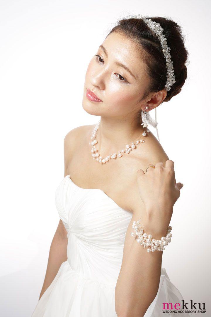 大人可愛い花嫁スタイルにおすすめのヘッドドレスのご紹介。挙式から披露宴まで幅広く使えるデザインです!ウェディングアクセサリーSHOP[mekku]http://www.mekku.info/ #mekku #ヘッドドレス #wedding #花嫁ヘア #ウェディング #ウェディングアクセサリー
