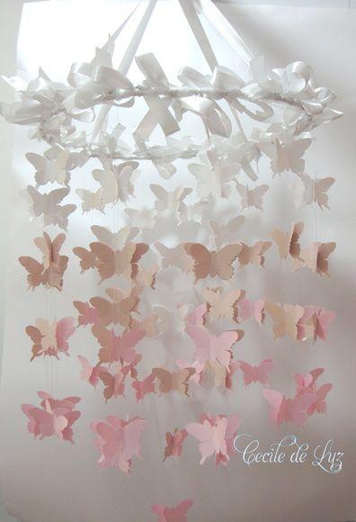 Móbile infantil de borboletas em papel gramatura 120 - Degradé - 120 borboletas de 6 cm, - Aro de 30 cm de diâmetro encapado com laços de cetim branco  -  Tons degradé  a escolha do cliente: ROSA, AMARELO, LILÁS R$ 135,00